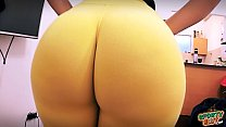 Best Amateur Ass Ever! Huge Round Bubble-Butt! ...