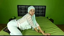Hot Arab Hijab girl twerking her ass on cam - S...