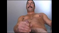 Daddy musclebear blowing his cum and showing hi... Thumbnail