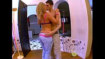 Jeune blonde tres salope baise facile avec le p...