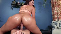 HUGE ASS 19 YEAR OLD: VALENTINA JEWELS IN BIG BUTTS & BEYOND 4 [TRAILER])