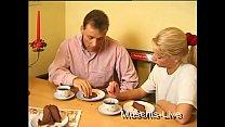 A este wey no le gusta el desayuno y prefiere que le chupen la verga para empezar bien el dia