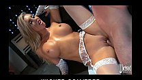 HOT blond scientist Samantha Saint rides her la...