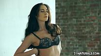 Aruna Aghore and the beauty of female masturbation Thumbnail