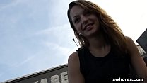 Amateur Czech street hooker is a master at eati...