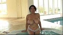 Download video bokep Donna Ambrose jacuzzi 3gp terbaru