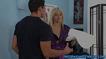 Teen masseuse gets licked