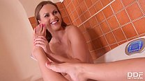 Endless toe sucking gives babes Tina Kay & Ani ...