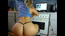 babe sexydea flashing ass on live webcam Thumbnail