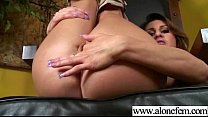 Amteur Sexy Girl Having Sex Toys Pleasure On Ca...