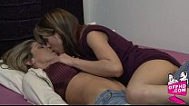 Girls who eat pussy 0053