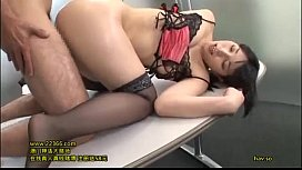 """I'll give you a cock, a cum on me ♡""Uehara Ai is inserting in a woman on top posture while continuing her horny words.12"