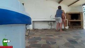 Enculando a la gorda cerca del paellero GUI