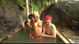 【Hermaphrodite】Transsexual gals rush into open-air bath! I will be cool with my father's blowjob!7
