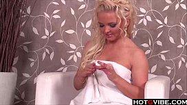 Super Hot Blonde gives herself a good fingering