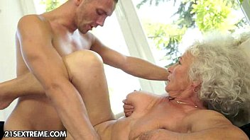 Old Romanian Fucks Her Fuck With A Young Boy