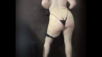 bundudo de lingerie rebolando o cu apertadinho V-I-R-G-E-M