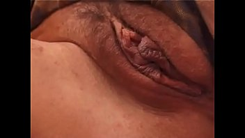 Amateur brunette jerking off her pussy