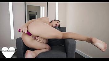 Bikini booty babe- www.24fuck.online
