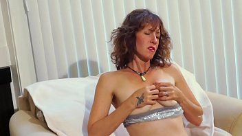 Yoga Lady Comes Home &amp_ Gives Herself A Rubdown