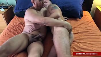 Bisex dude bareabcking a guy...