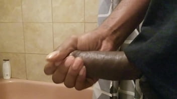 Shot cum every where after using my dick pump