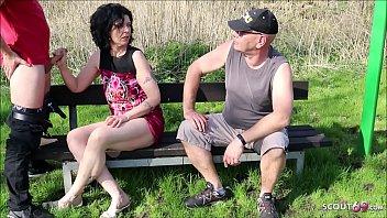 German Cuckold - Ehemann guckt zu wie Fremder seine Frau fickt Deutsch
