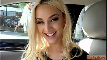 Porno Cu O Domnisoara Blonda Fututa In Masina De Ziua Ei