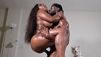 Streaming Video KING NASIR vs MS. LONDON PREVIEW - XLXX.video
