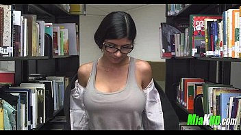 cover video Mia Khalifa Plays In The Library 3 92