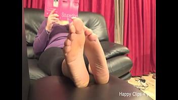 Caroline feetplay video