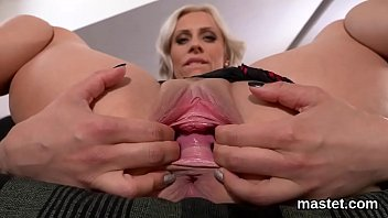 Randy czech chick gapes her pink vagina to the bizarre