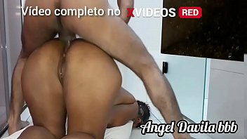 Comendo o cu da safada no ch&atilde_o Angel Davila