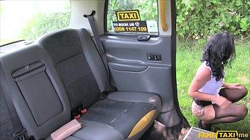 Femeia Buna Fututa In Taxi