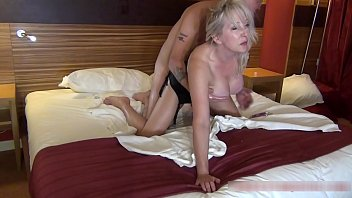 Streaming Video Cougar Christie wants this job, and knows her ass is an asset !! - 3gp