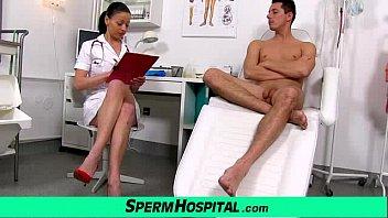 إنها ممرضة استغل من قبل المرضى