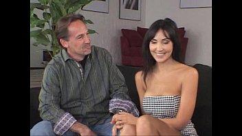 妻が自分以外の男性に突かれ感じまくる姿を見て喜ぶ夫