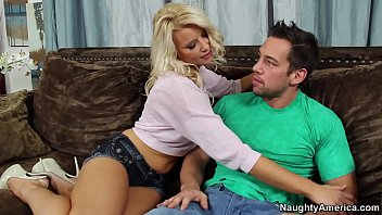 Naughty America  Anikka Albrite Fucking In The  Fucking In The Couch With Her Average Body