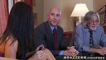 Skinny milf (India Summer) cheats on her husband (Johnny Sins) - BRAZZERS