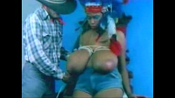 thumb Yolanda Boobs 2