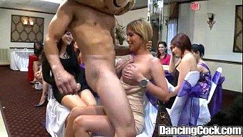 Dancingcock crazy...