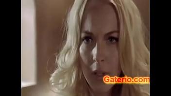 Lindsay Lohan Desnuda Sexy en Escena Lesbica
