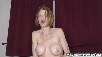 Redhead Busty Milf Akgingersnaps Gives A Free Amateur Fuck Show From This Horny Ginger Babe Records What 039 Going On In Her Bedroom...