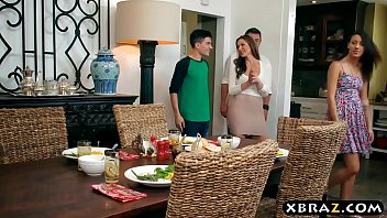 Mom steals away boyfriend with thanksgiving dinner