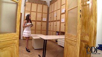 vídeos pornô Anita Berlusconi Gives A Blowjob On Her Knees In 100% POV 3gp