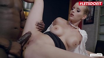 Nackt Anike Ekina  Sex mit