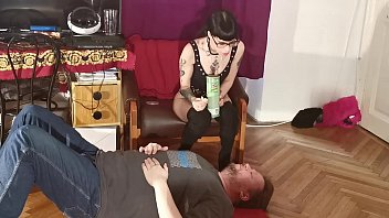 Slim Goth Domin a Feeding Her Slave Mouth To M lave Mouth To Mouth Pt1