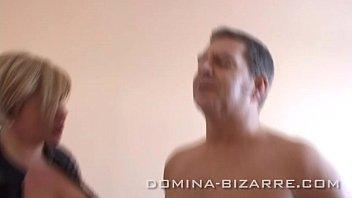 """Domina Mercedes """"verwöhne Ihre Füße - Koste Ihren Saft"""""""