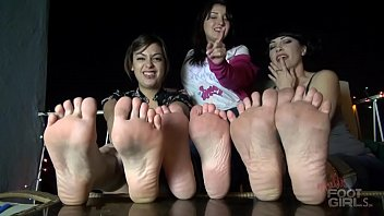 Sole Wrinkling 3 girls JOI