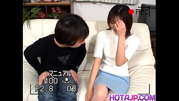 Video sex 2020 Hitomi gets sucked cock in hairy slit doggy of free
